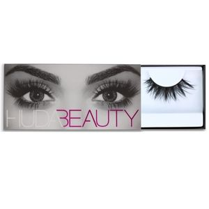 Huda Beauty Scarlett #8 False Lashes